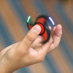 Anti-Stress-Handkreisel - LED Fidget Spinner