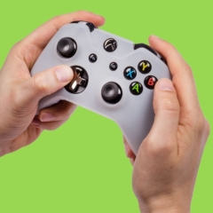 2655_OR020914XBoxOneControllerSkinWhite_Lifes.jpg