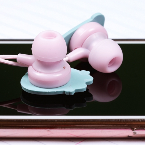Pusheen - Earphones Large Image