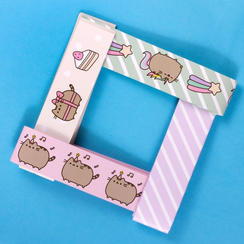 Pusheen - Paper Chains Large Image