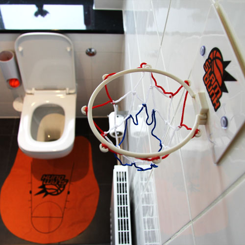 Toiletten Basketball