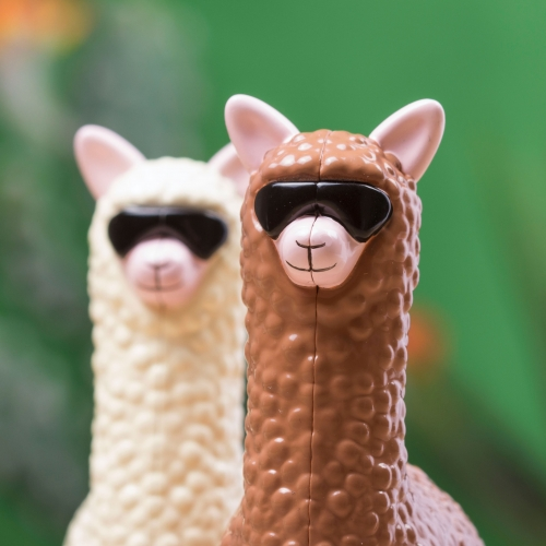 Wind-Up Racing Llamas