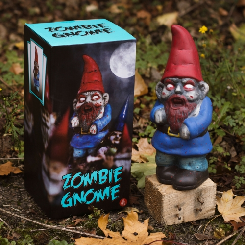 pussies lawn gnome